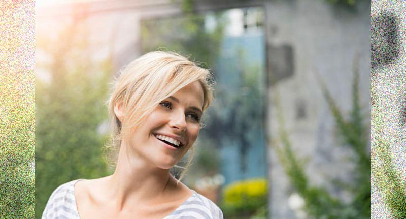 イギリス人女性の笑顔(写真)UK留学情報センター
